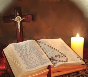 bible chapelet bougie